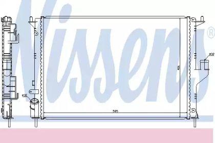 Радиатор охлаждения двигателя 'NISSENS 637612'.