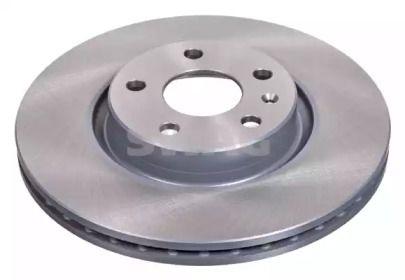Вентилируемый передний тормозной диск на Фольксваген Артеон 'SWAG 30 92 4384'.