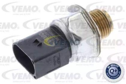 Датчик давления топлива на Фольксваген Гольф VEMO V10-72-0860.