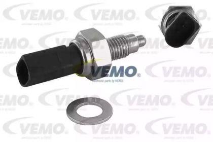 Выключатель фары заднего хода на SKODA OCTAVIA A5 'VEMO V10-73-0142'.