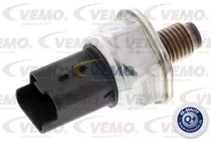 Датчик тиску масла VEMO V46-72-0132.