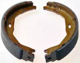 Барабанные тормозные колодки 'DENCKERMANN B120198'.