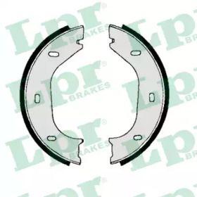 Тормозные колодки ручника 'LPR 00010'.