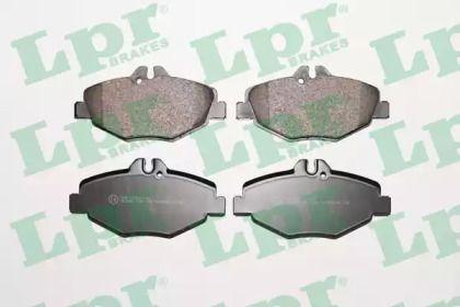 Гальмівні колодки на Мерседес W212 LPR 05P1124.