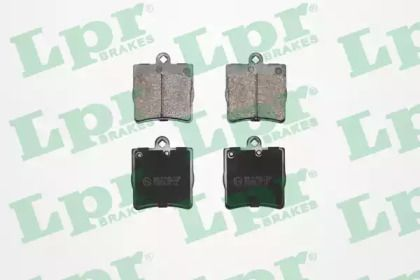 Гальмівні колодки на Мерседес W210 LPR 05P726.