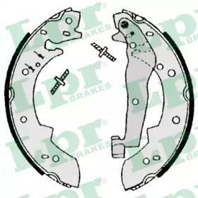 Барабанні гальмівні колодки 'LPR 07050'.