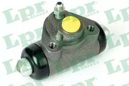 Задний тормозной цилиндр 'LPR 4452'.