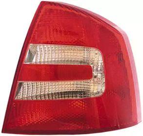 Задний правый фонарь на SKODA OCTAVIA A5 'HELLA 9EL 354 076-021'.