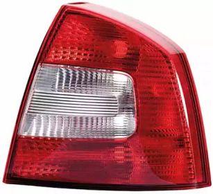 Задний правый фонарь на Шкода Октавия А5 'HELLA 9EL 354 670-021'.
