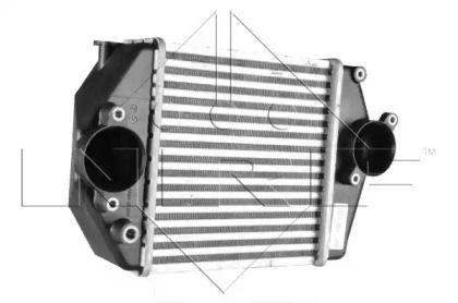 Інтеркулер на MAZDA MPV NRF 30471.