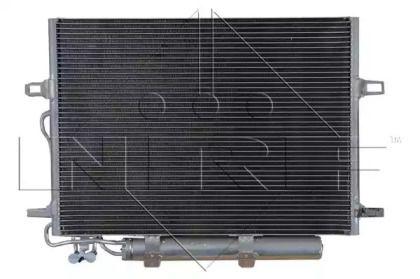 Радіатор кондиціонера на Mercedes-Benz W211 NRF 35517.