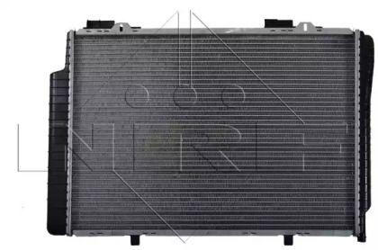 Радіатор охолодження двигуна на Мерседес W210 NRF 51282.