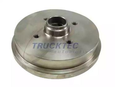 Задний тормозной барабан на VOLKSWAGEN DERBY 'TRUCKTEC AUTOMOTIVE 07.32.002'.