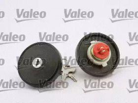 Крышка бензобака с ключом на VOLKSWAGEN PASSAT 'VALEO 247512'.