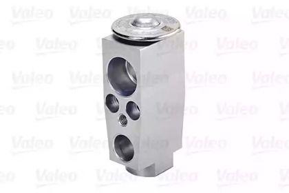 Расширительный клапан кондиционера на SEAT LEON 'VALEO 715299'.