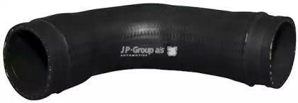 Патрубок интеркулера на VOLKSWAGEN PASSAT 'JP GROUP 1117701300'.