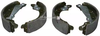 Барабанные тормозные колодки на VOLKSWAGEN PASSAT JP GROUP 1163900210.