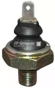 Датчик давления масла на VOLKSWAGEN PASSAT 'JP GROUP 1193500100'.