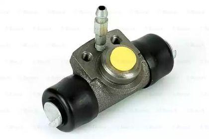Задний тормозной цилиндр на Фольксваген Пассат 'BOSCH F 026 009 290'.
