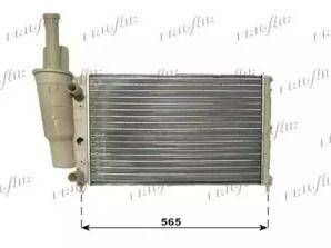 Алюминиевый радиатор охлаждения двигателя 'FRIGAIR 0104.3002'.