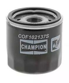 Масляный фильтр CHAMPION COF102137S.