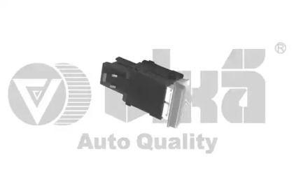 Кнопка аварийки 'VIKA 99530055401'.