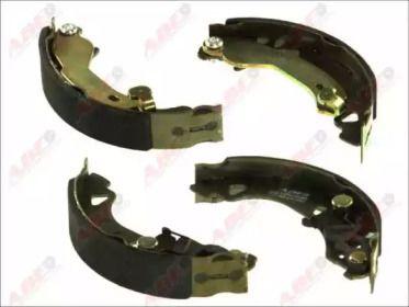 Барабанные тормозные колодки на FIAT BRAVO 'ABE C0F010ABE'.