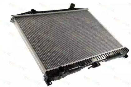 Алюминиевый радиатор охлаждения двигателя 'THERMOTEC D71014TT'.