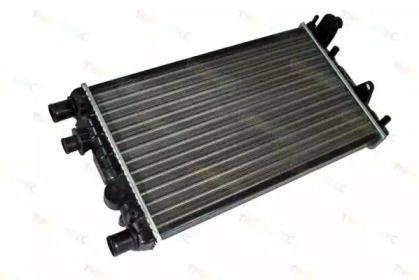 Алюминиевый радиатор охлаждения двигателя 'THERMOTEC D7F006TT'.