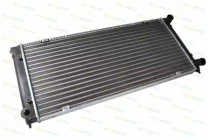 Радиатор охлаждения двигателя на VOLKSWAGEN JETTA 'THERMOTEC D7W034TT'.