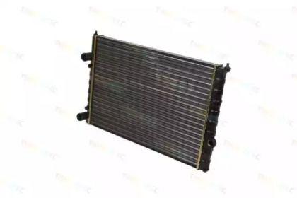 Радиатор охлаждения двигателя на VOLKSWAGEN PASSAT 'THERMOTEC D7W054TT'.