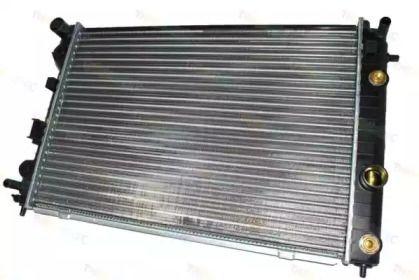 Алюминиевый радиатор охлаждения двигателя 'THERMOTEC D7X033TT'.