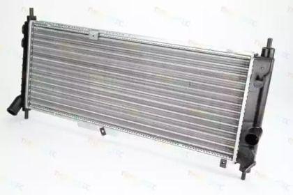 Алюминиевый радиатор охлаждения двигателя 'THERMOTEC D7X051TT'.