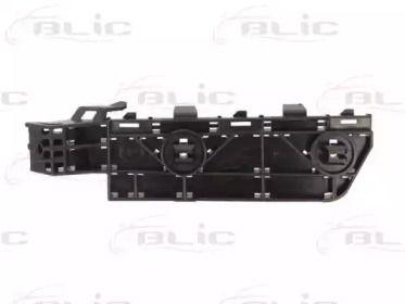 Левое крепление переднего бампера BLIC 5504-00-2957931P.