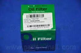 Масляный фильтр 'PARTS-MALL PBW-108'.