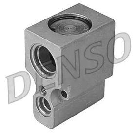 Расширительный клапан кондиционера на SKODA OCTAVIA A5 'DENSO DVE32002'.