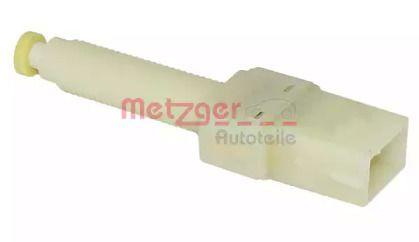 Датчик педали тормоза на Фольксваген Пассат 'METZGER 0911038'.