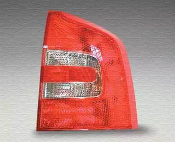 Задний левый фонарь на SKODA OCTAVIA A5 'MAGNETI MARELLI 714027590104'.